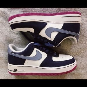 NEVER WORN NIKE AIR FORCES